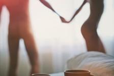 Είναι καλό να κυκλοφορούμε στο σπίτι γυμνοί;